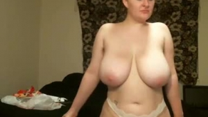 Gorgeous blonde with big tits is getting snizzled, but clitting anyway, because it feels good